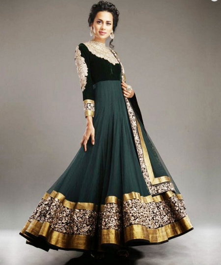 0172f49df0c2 A stunning green flared velvet frock is here which would look amazing on  your wedding. This frock has the upper part of black velvet however the  down part ...