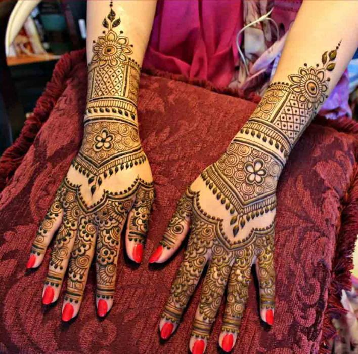 Top 35 Fabulous Bridal Mehndi Designs Folder