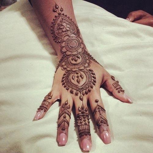 75 Beautiful Mehndi Designs Henna Hand Art: Top 35 Fabulous Bridal Mehndi Designs