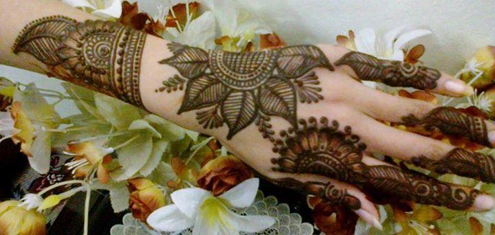 paisley styled bridal mehndi