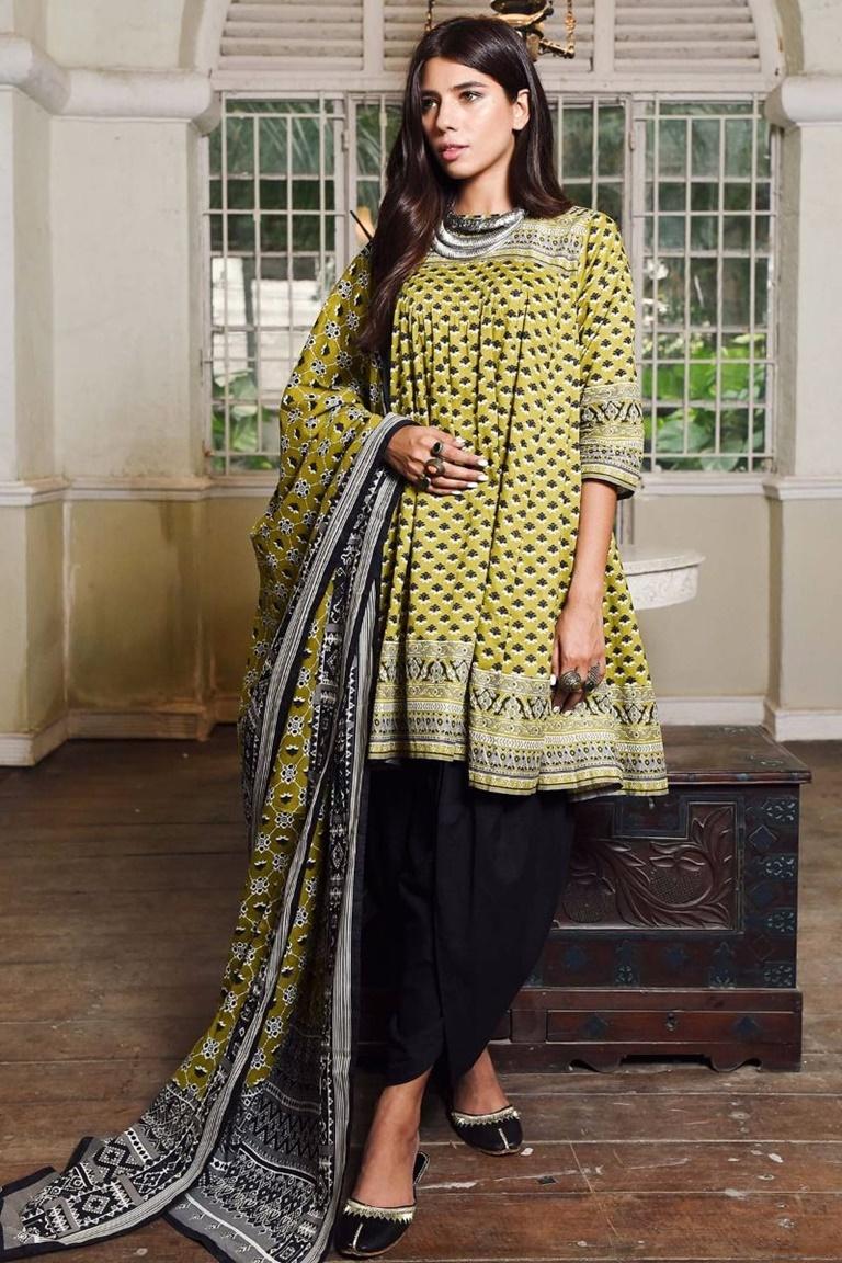 887de4020a9 25 Elegant Winter Dresses For Pakistani Girls for 2017-2018 - Folder