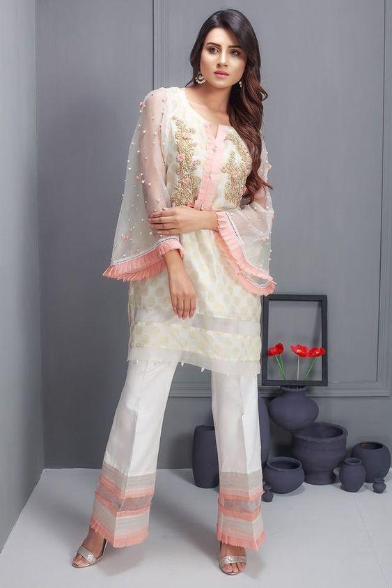 8382b74c3ee 35 Beautiful Pakistani Ladies Shalwar Kameez Dresses 2018 - Folder
