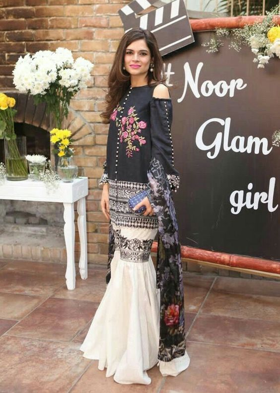 c51c287a18ea 25 Fabulous Spring Dresses for Pakistani Girls 2017-2018 - Folder