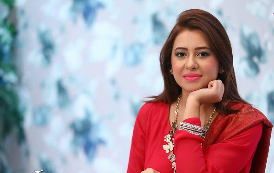 Rabia Anum Biography - Famous News Anchor - Folder