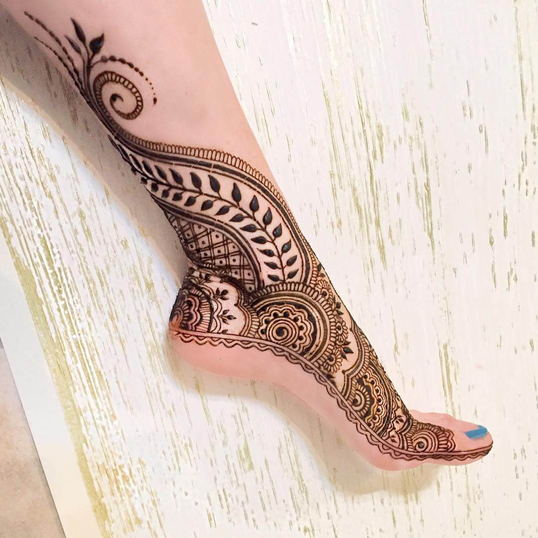 20 most beautiful dulhan mehndi designs for legs 2018 folder. Black Bedroom Furniture Sets. Home Design Ideas