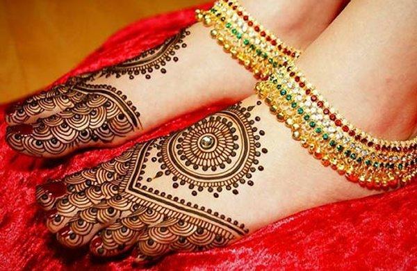 20 Best Foot Mehndi Design For Brides - Folder