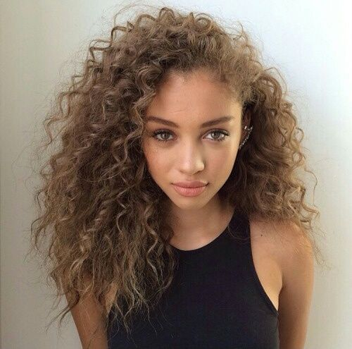 15 Amazing Hairstyles For Square Faces Folder